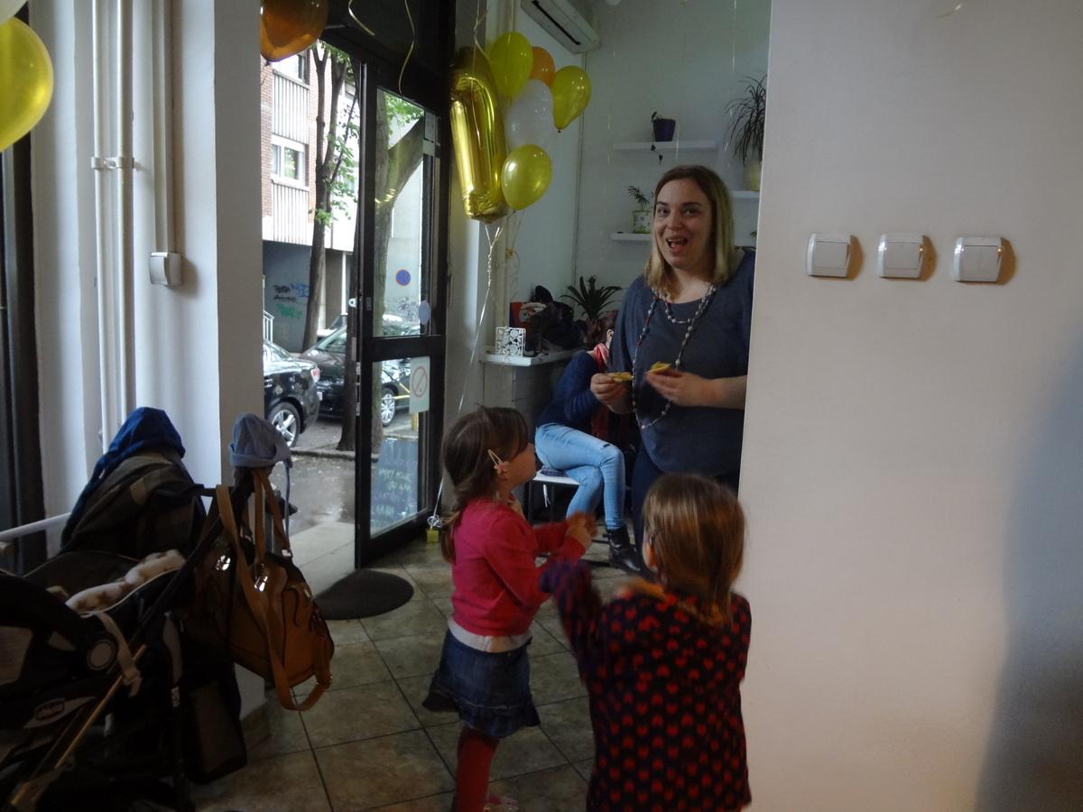 Bagel Bejgl shop, NVO Atina, prvi rodjendan