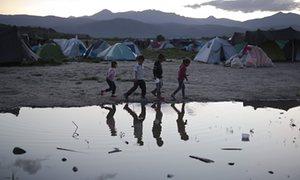 Trgovci ljudima 'koriste migrantsku  krizu' da prisile više ljudi u ropstvo NVO Atina